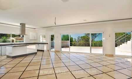 Fully renovated modern quality villa for sale in El Madroñal, Benahavis 2