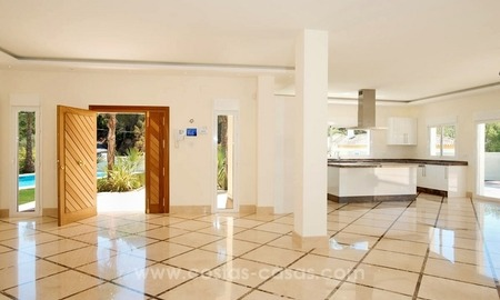 Fully renovated modern quality villa for sale in El Madroñal, Benahavis 3