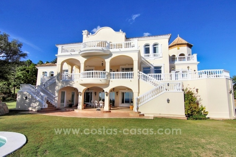 Beautiful classic style villa for sale in the Marbella Club Golf Resort