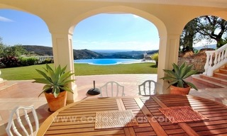 Beautiful classic style villa for sale in the Marbella Club Golf Resort 3