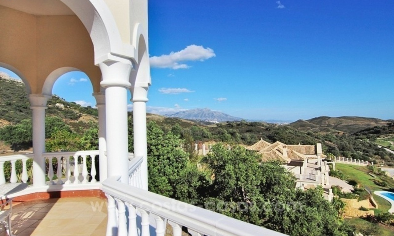 Beautiful classic style villa for sale in the Marbella Club Golf Resort 5