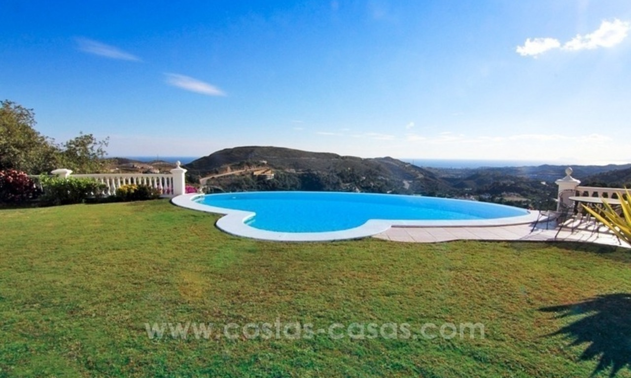 Beautiful classic style villa for sale in the Marbella Club Golf Resort 7