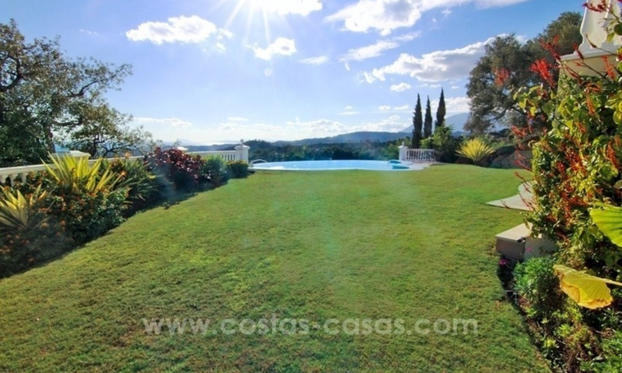 Beautiful classic style villa for sale in the Marbella Club Golf Resort 8