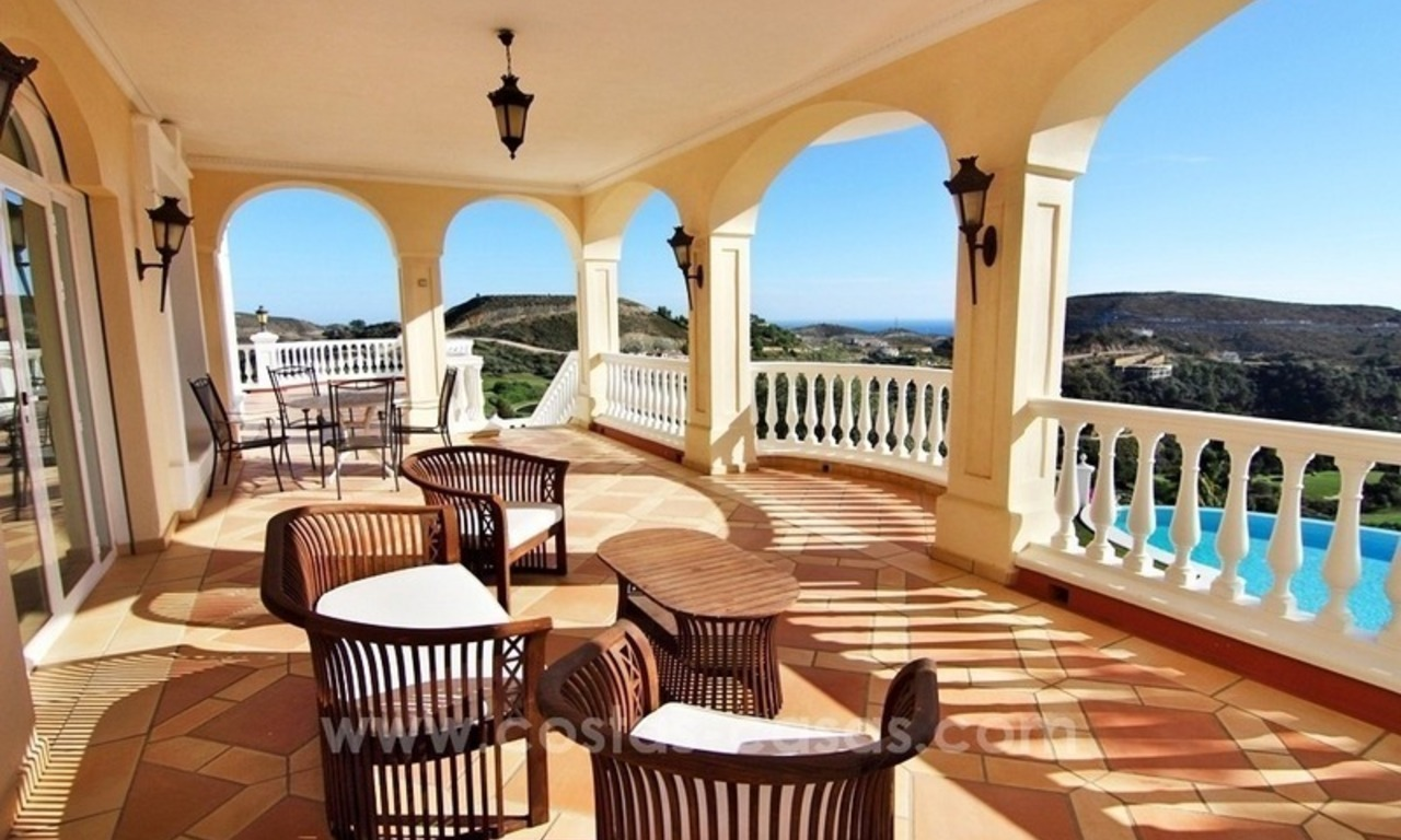 Beautiful classic style villa for sale in the Marbella Club Golf Resort 23