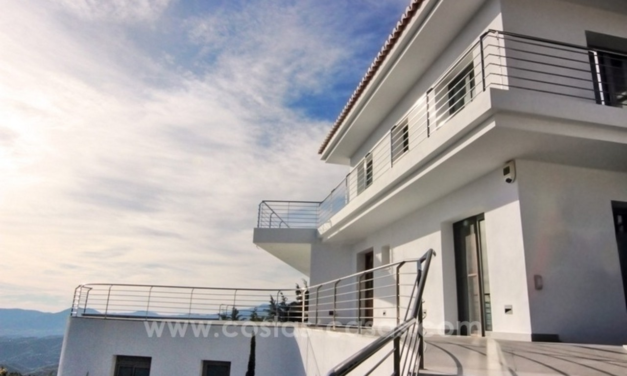 Very nice newly built and contemporary villa for sale in Mijas 7