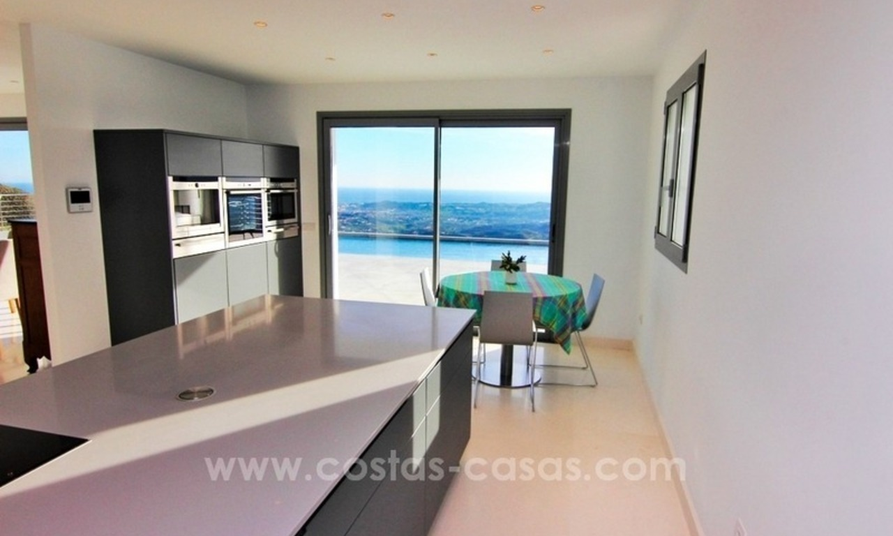 Very nice newly built and contemporary villa for sale in Mijas 12
