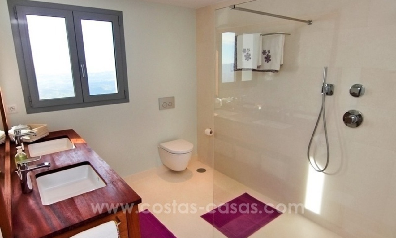 Very nice newly built and contemporary villa for sale in Mijas 17