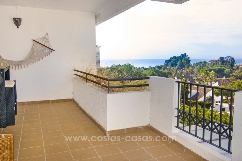 Perfect location!! Beachside apartment for sale in Puerto Banús 2