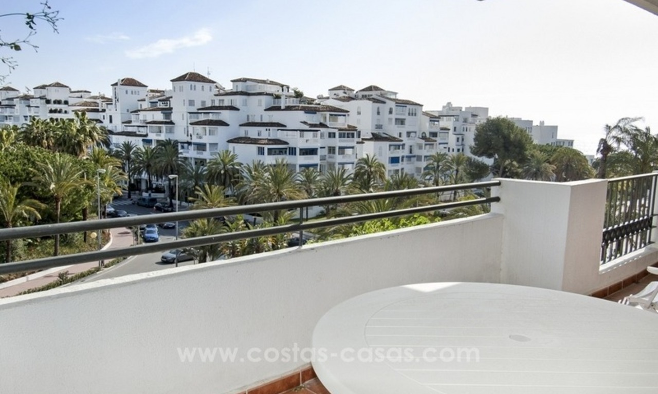 Dream location!! Apartment for sale a few meters from the sea in Puerto Banús 2