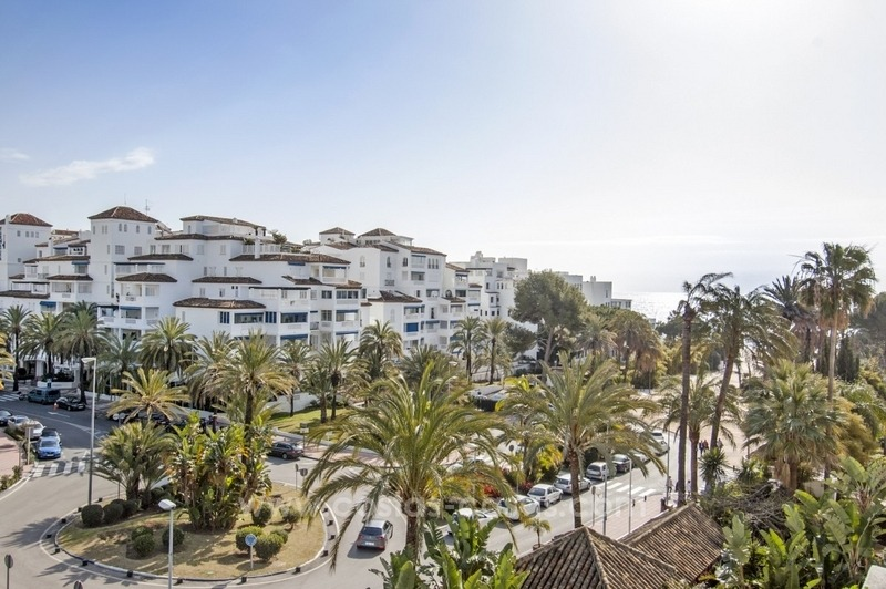 Dream location!! Apartment for sale a few meters from the sea in Puerto Banús 0