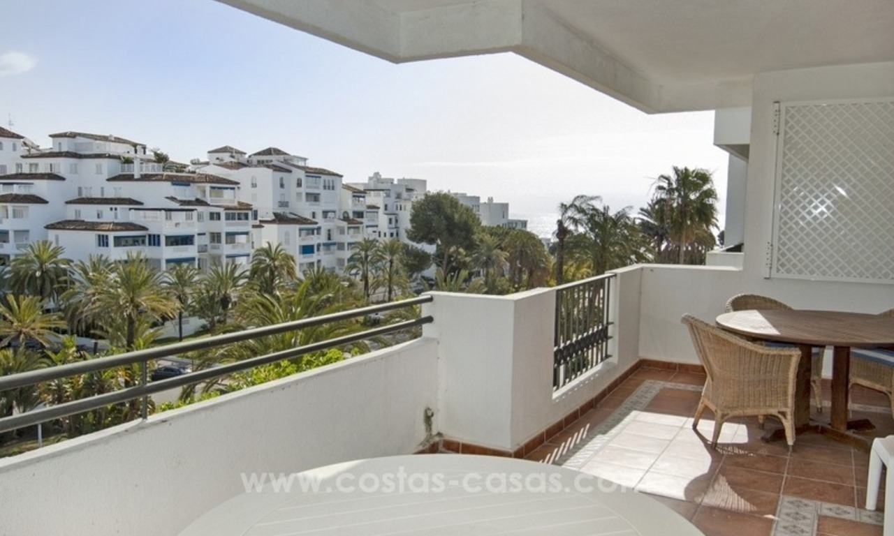 Dream location!! Apartment for sale a few meters from the sea in Puerto Banús 3