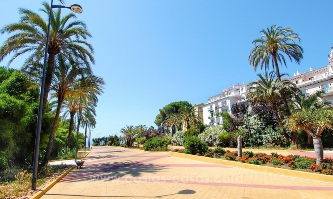 Dream location!! Apartment for sale a few meters from the sea in Puerto Banús 13