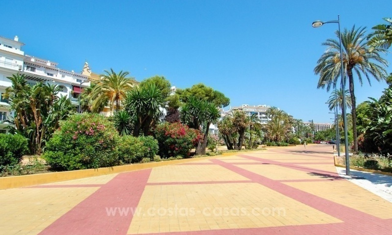 Dream location!! Apartment for sale a few meters from the sea in Puerto Banús 14