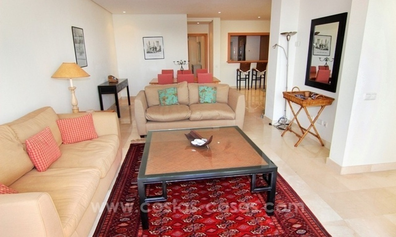 Spacious Beachfront Penthouse for Sale on the New Golden Mile, Estepona 11
