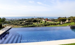Luxury villa for sale between Marbella and Estepona, with panoramic sea views 6