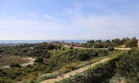 Luxury villa for sale between Marbella and Estepona, with panoramic sea views 2