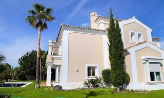 Luxury villa for sale between Marbella and Estepona, with panoramic sea views 12