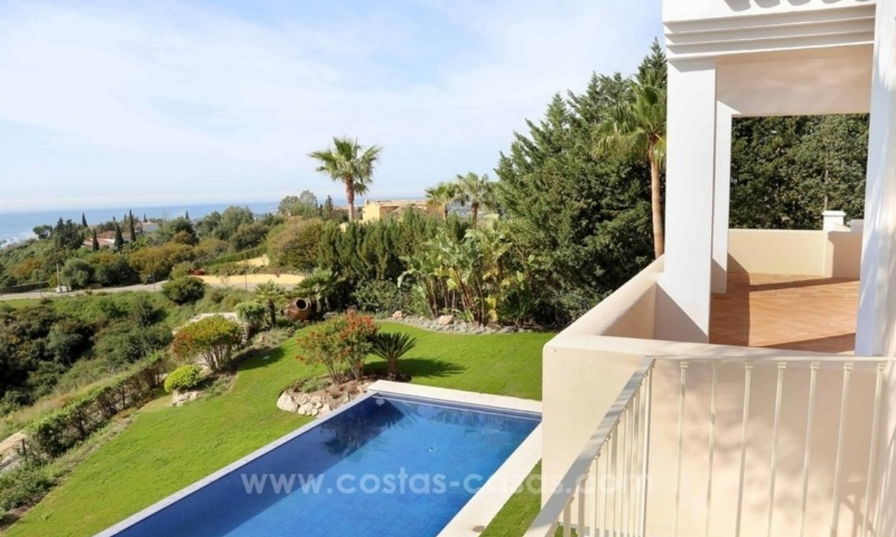 Luxury villa for sale between Marbella and Estepona, with panoramic sea views 42