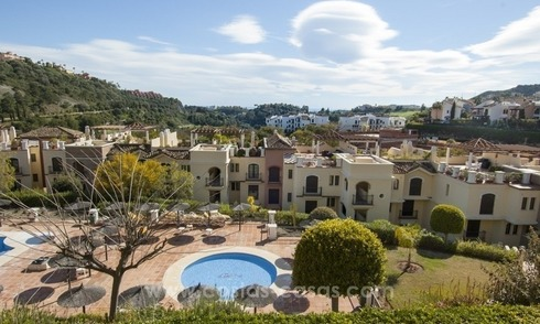 Renovated 3 bedroom bargain apartment for sale in Los Arqueros, Benahavis