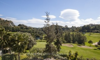 Bargain frontline golf new apartment for sale in Los Arqueros, Benahavis 4