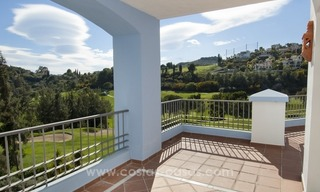 Bargain frontline golf new apartment for sale in Los Arqueros, Benahavis 0