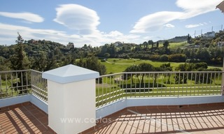 Bargain frontline golf new apartment for sale in Los Arqueros, Benahavis 1