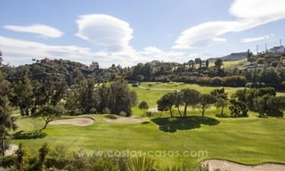 Bargain frontline golf new apartment for sale in Los Arqueros, Benahavis 5