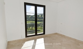 Bargain frontline golf new apartment for sale in Los Arqueros, Benahavis 9