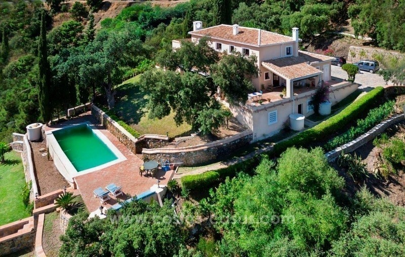 Villa for sale on a large plot in El Madroñal, Benahavis - Marbella 1
