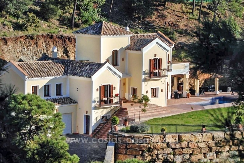 Luxury villa for sale in El Madroñal, Benahavis - Marbella