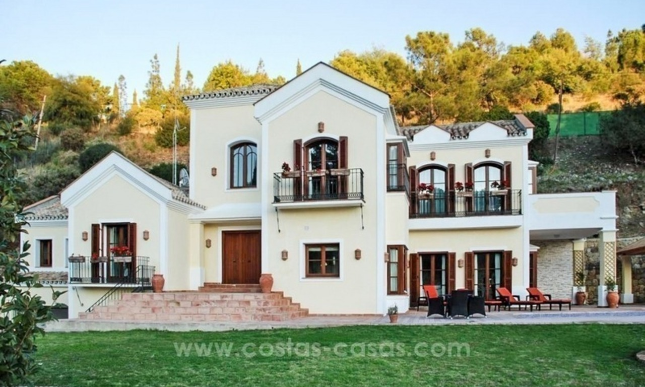 Luxury villa for sale in El Madroñal, Benahavis - Marbella 2