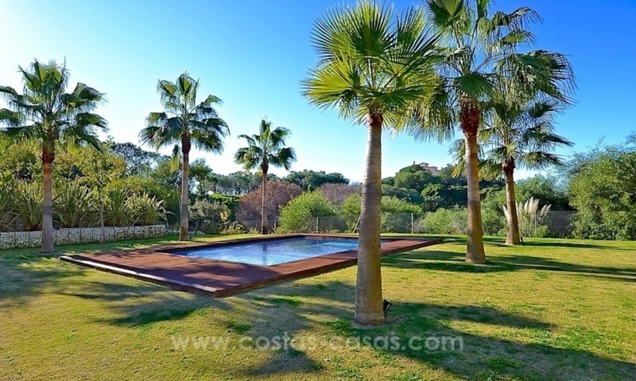 Bargain! Modern villa for sale in Elviria, Marbella east 1