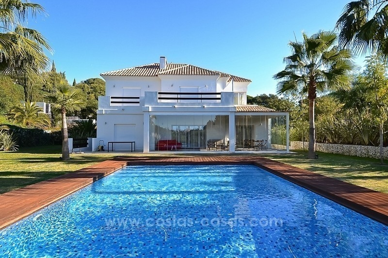 Bargain! Modern villa for sale in Elviria, Marbella east