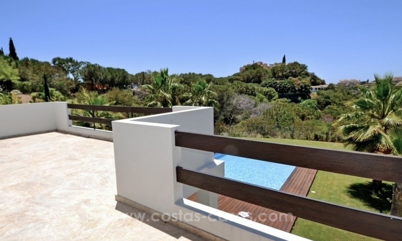 Bargain! Modern villa for sale in Elviria, Marbella east 15
