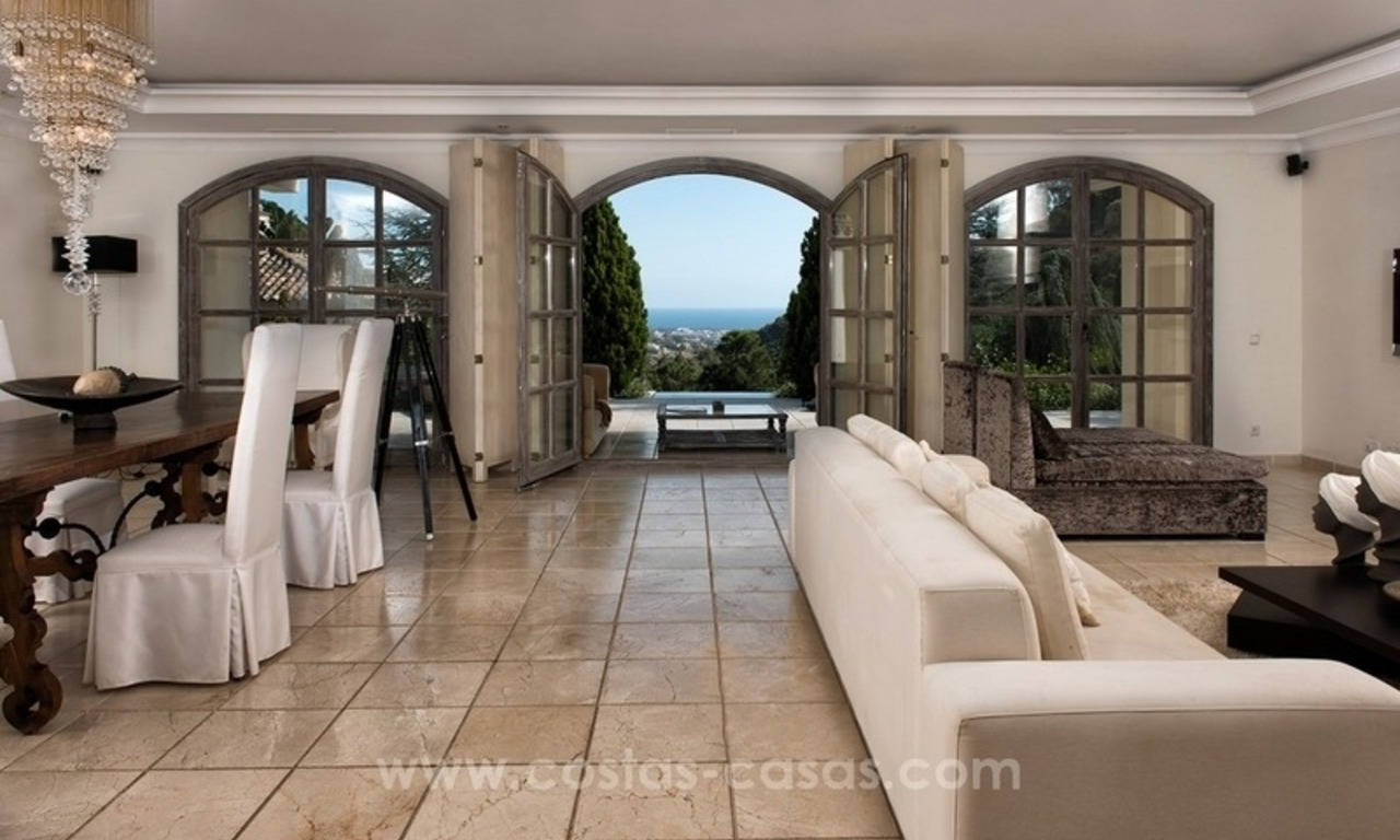 Contemporary villa for sale with classical architectural references, El Madroñal, Benahavis - Marbella 5