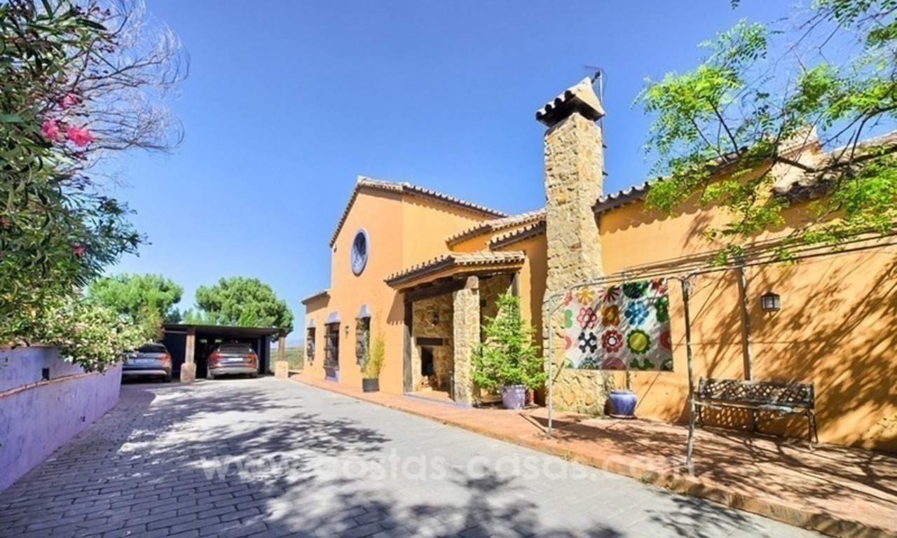 Finca - Villa for sale in Estepona with panoramic sea view 7