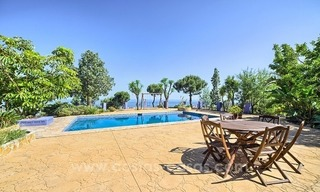 Finca - Villa for sale in Estepona with panoramic sea view 0
