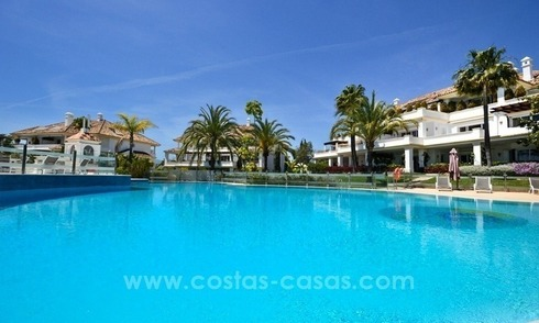 Spacious luxury apartment for sale on the Golden Mile between Marbella and Puerto Banus
