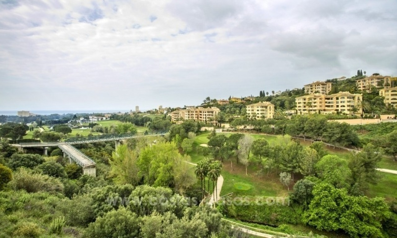 Refurbished 3 bed golf view apartment for sale in Elviria, Marbella 3