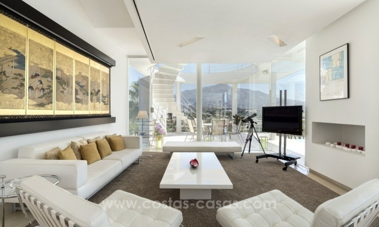 For Sale in Nueva Andalucia, Marbella: Designer Villa with panoramic golf, mountain and sea views 5
