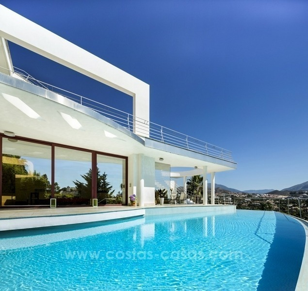 Villa Nueva Apartments: Designer Villa For Sale Nueva Andalucia Marbella Golf Sea