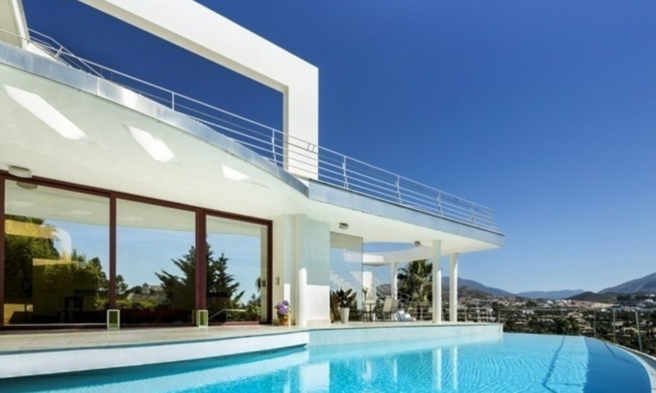 For Sale in Nueva Andalucia, Marbella: Designer Villa with panoramic golf, mountain and sea views 2