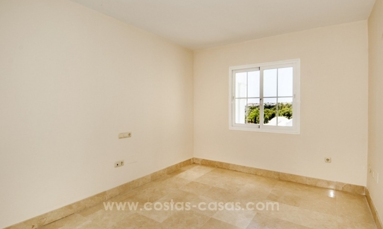 4 bedroom penthouse for sale in gated community in Marbella 17