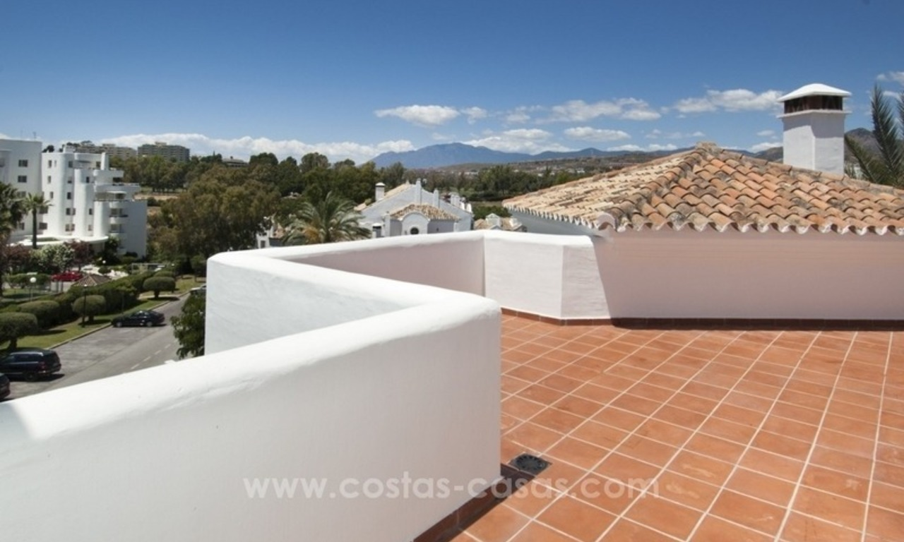4 bedroom penthouse for sale in gated community in Marbella 9