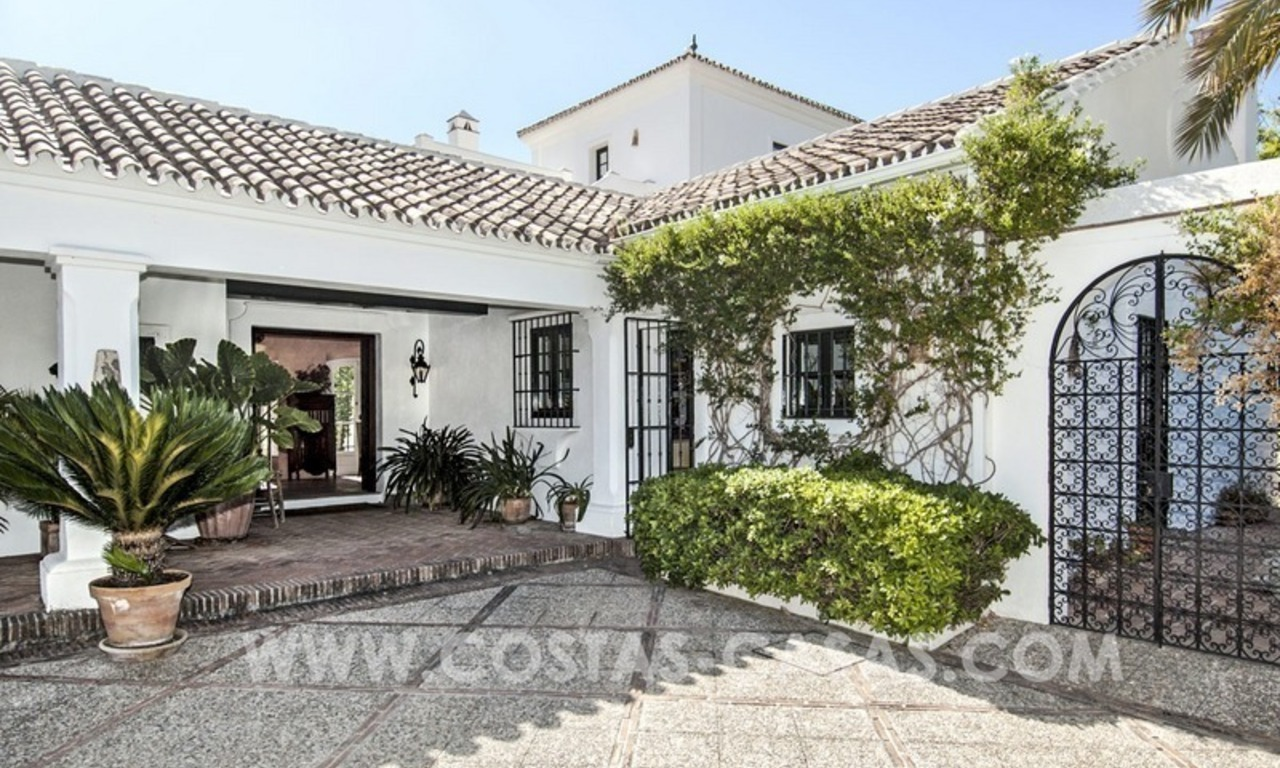 Superb and elegant Provence Charm villa for sale in exclusive El Madroñal, Benahavis - Marbella, with exceptional sea views 3