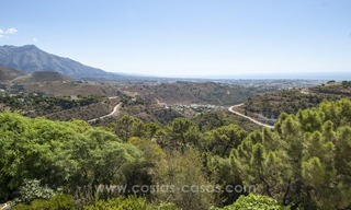 Superb and elegant Provence Charm villa for sale in exclusive El Madroñal, Benahavis - Marbella, with exceptional sea views 34