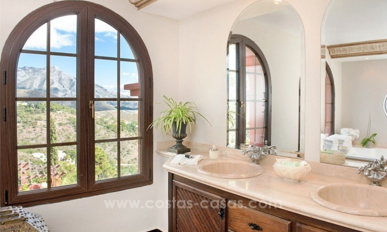 Classical country style villa for sale in El Madroñal, Benahavis - Marbella 38