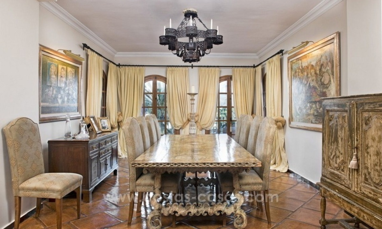 Classical country style villa for sale in El Madroñal, Benahavis - Marbella 34
