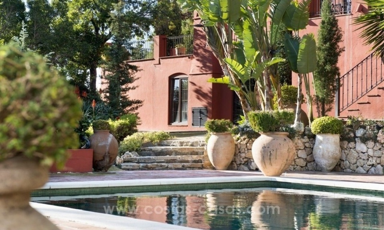Classical country style villa for sale in El Madroñal, Benahavis - Marbella 9