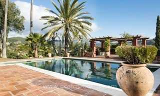 Classical country style villa for sale in El Madroñal, Benahavis - Marbella 10